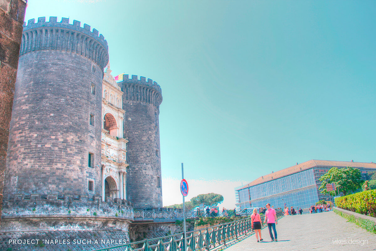 Castle Castel del Ovo (Eggs) in Naples